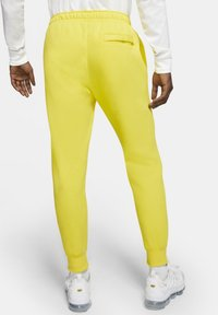 Nike Sportswear - CLUB - Tracksuit bottoms - opti yellow/opti yellow/white - 2