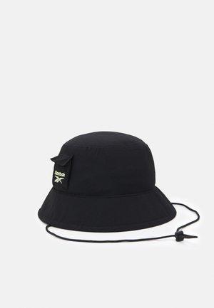 RETREAT BUCKET HAT UNISEX - Hattu - black