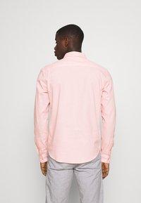 Newport Bay Sailing Club - CORE STRIPE SHIRT - Košile - pale pink - 2