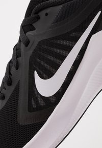 Nike Performance - DOWNSHIFTER - Zapatillas de running neutras - black/white/anthracite - 2