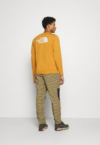 The North Face - CLASS PANT - Tygbyxor - tan/black - 2