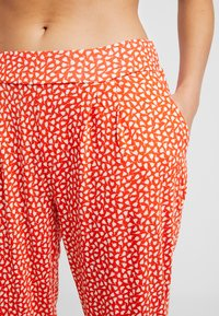 s.Oliver - Pyjama bottoms - orange/creme - 4