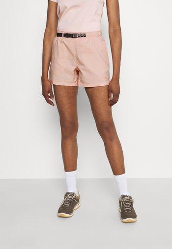 CLASS BELTED SHORT  - Sports shorts - evenng sand pink