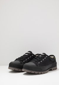 Palladium - PALLASHOCK Unisex - Sneakers laag - black - 2