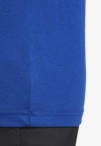 Reebok - TRAINING ESSENTIALS LINEAR LOGO TEE - Print T-shirt - blue - 5