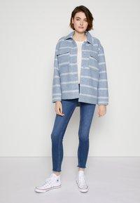 TOM TAILOR DENIM - JONA - Jeans Skinny Fit - used mid stone blue denim - 3