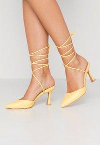 RAID - ZUMI - High heels - yellow - 0