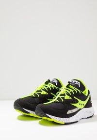 Saucony - AYA - Sneakers laag - black/neon - 2