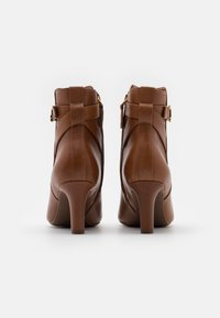 Lauren Ralph Lauren - ARIANNE - Classic ankle boots - deep saddle tan - 3