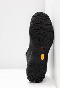 Mammut - DUCAN PRO HIGH GTX MEN - Winter boots - black/titanium - 4