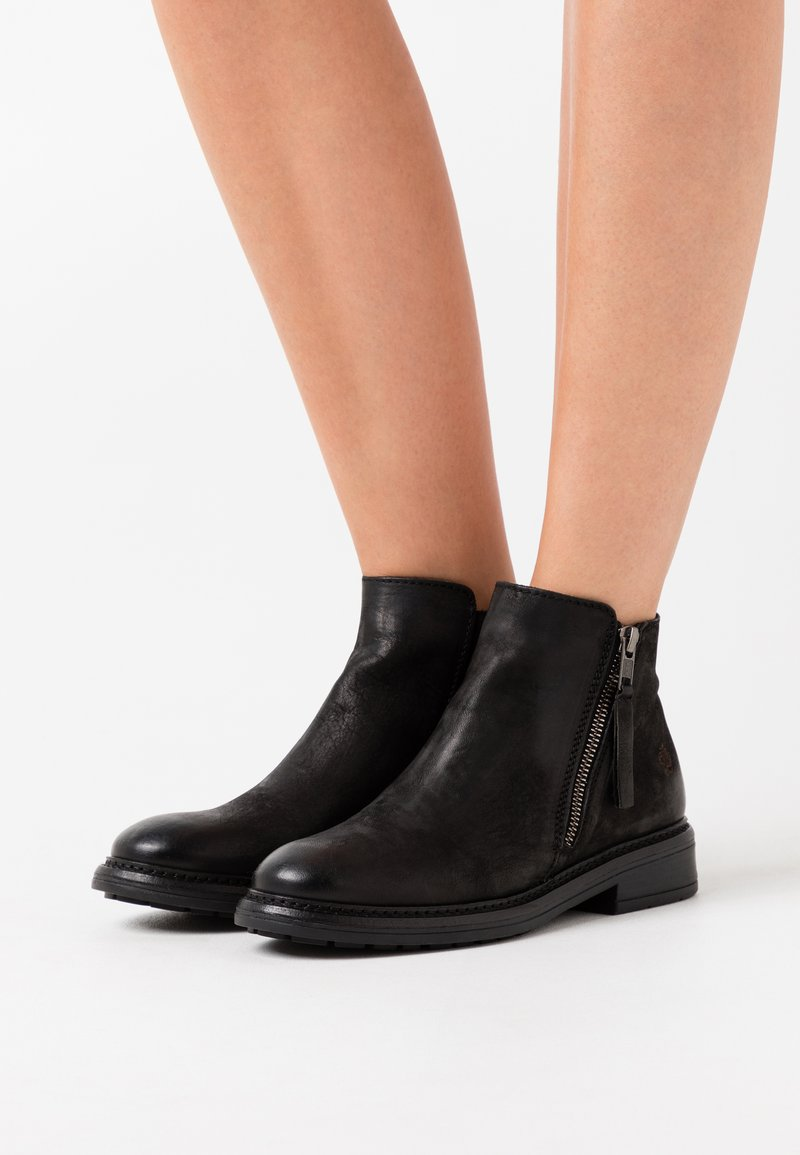 Apple of Eden - GLORIA - Ankle boot - black