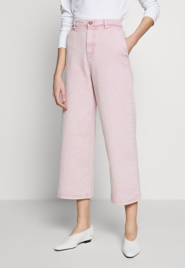 Flared jeans - pink