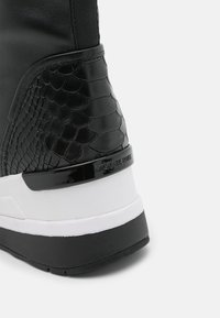 MICHAEL Michael Kors - KINSEY - High-top trainers - black - 6