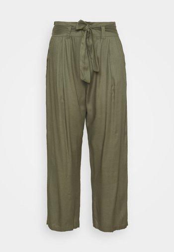 TIE WAIST TROUSERS WITH POCKETS - Spodnie materiałowe - khaki