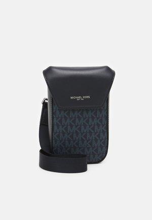 FLAP PHONE XBODY - Across body bag - black