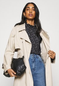 ONLY - ONLZILLE NAYA SMOCK - Long sleeved top - black/lavender - 3