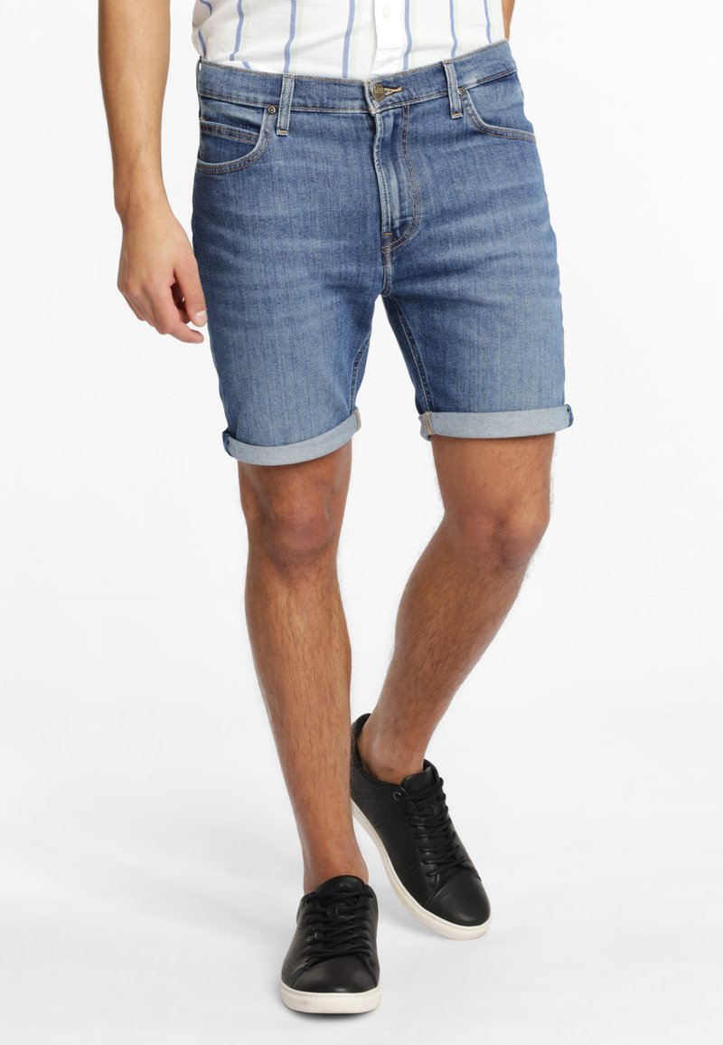 Lee - RIDER - Shorts di jeans - blue