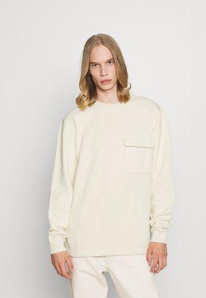 FOLMKE - Sweatshirt - broken white