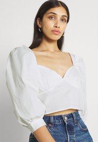 Gina Tricot - MADELEINE BLOUSE - Print T-shirt - offwhite - 3