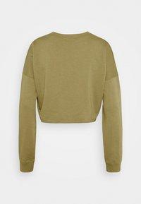 Missguided - CROPPED RAW HEM SLIM JOGGER - Sweatshirt - khaki - 2