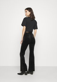 Monki - TORA TROUSERS - Broek - black - 2
