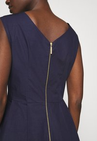 Closet - HIGH LOW PLEATED DRESS - Cocktailkjole - navy - 5