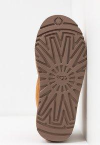 UGG - NEUMEL - Boots à talons - chestnut - 6