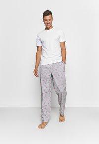 Jack & Jones - JACMIX PANTS - Pyjama bottoms - navy blazer - 1