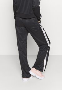 Diadora - LIGHT SUIT CHROMIA - Tracksuit - black - 4