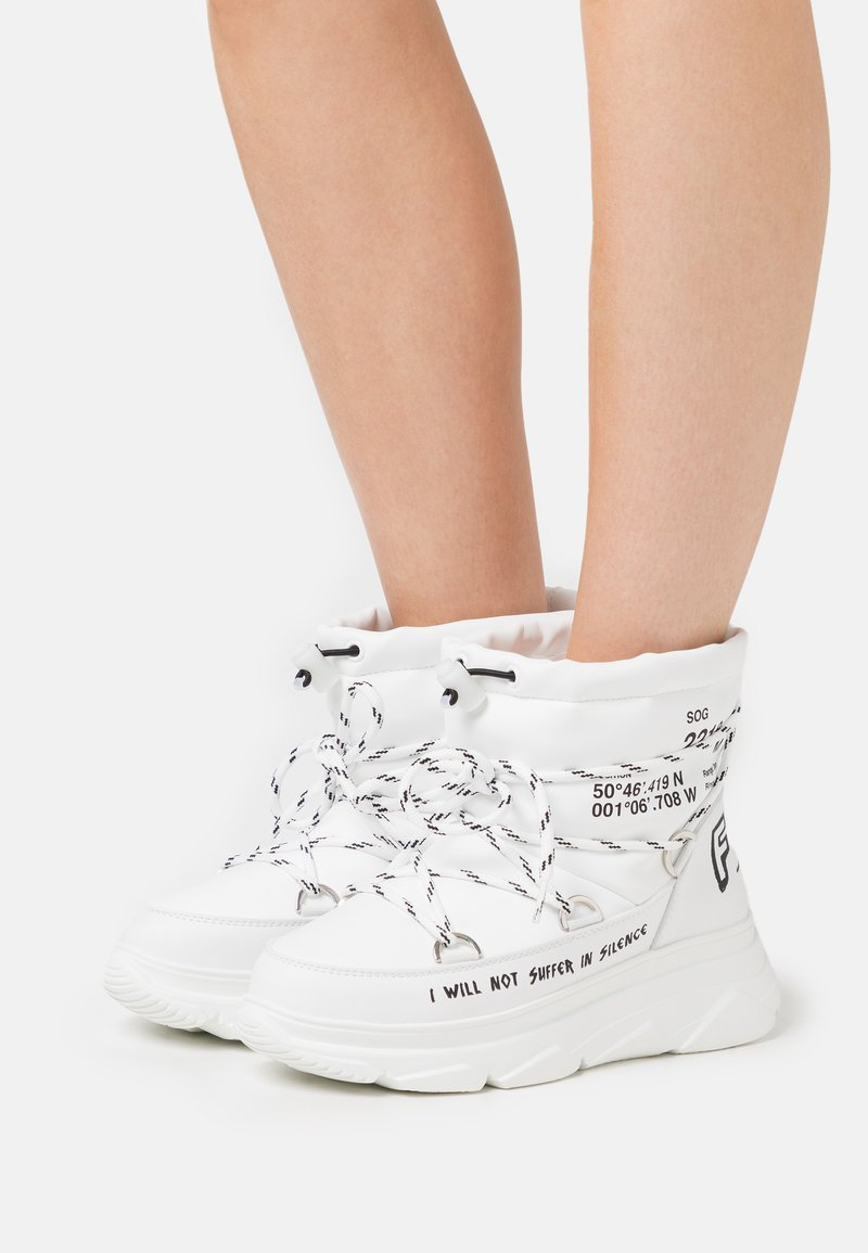 F_WD - Platform ankle boots - white