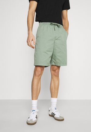 EASY - Shorts - new thyme