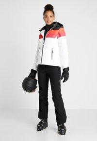CMP - WOMAN JACKET ZIP HOOD - Kurtka narciarska - white - 1