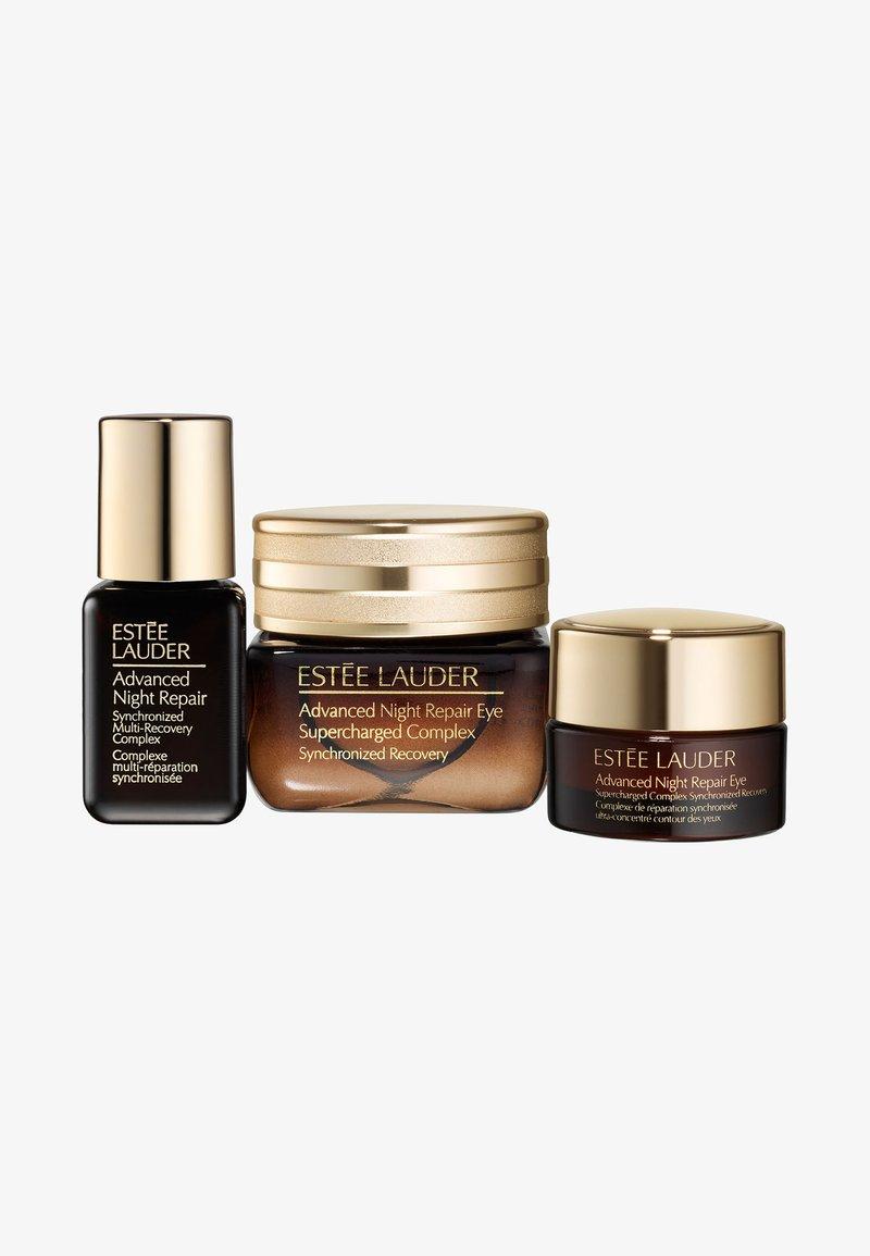 Estée Lauder - ANR EYE SUPERCHARGED COMPLEX SET - Kit skincare - -