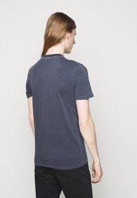 JOOP! Jeans - AMBROS  - Triko spotiskem - dark blue - 2