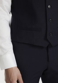 Matinique - BRECK STRETCH - Suit waistcoat - navy blazer - 5