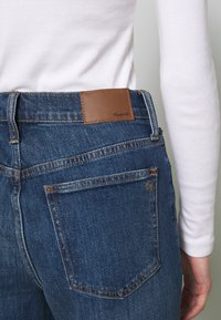 Madewell - PERFECT VINTAGE BUTTON FRONT - Straight leg jeans - barnsdale wash - 4