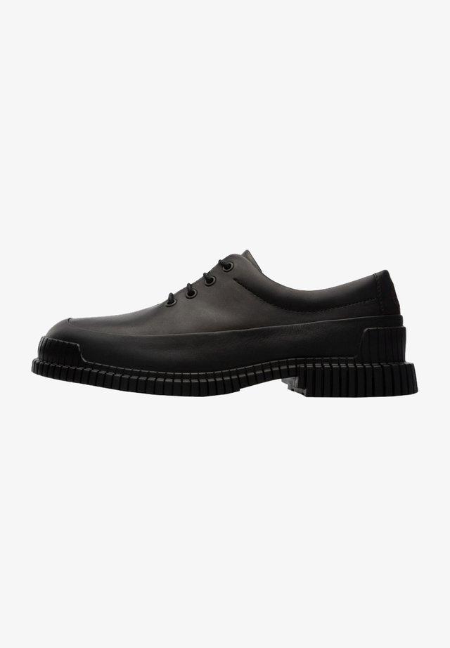 PIX - Zapatos con cordones - schwarz
