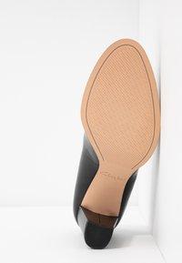 Clarks - KAYLIN CARA - Classic heels - black - 6