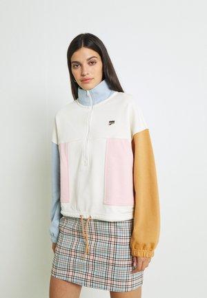 DOWNTOWN HALF ZIP CREW - Sweatshirt - ivory glow