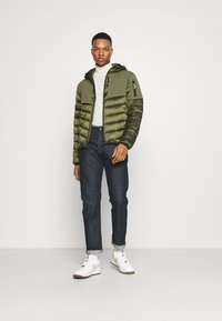 National Geographic - HOODED JACKET WITH FILLER - Jas - moss - 1