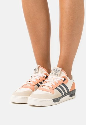 RIVALRY PREMIUM - Trainers - grey six/ambient blush