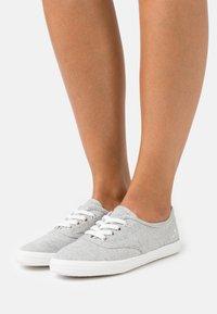 TOM TAILOR - Sneakers basse - light grey - 0