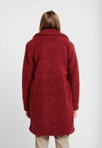 ONLY - ONLEMMA COAT  - Zimní kabát - merlot - 2