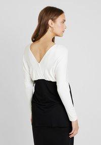 Envie de Fraise - MAELE - Camiseta de manga larga - off white/black - 2