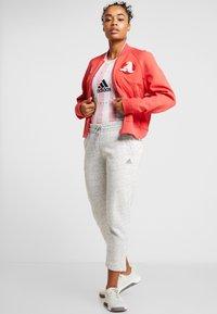 adidas Performance - TEE - Print T-shirt - pink - 1
