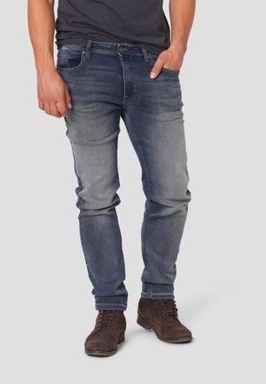 SYLVESTER - Slim fit jeans - light destroy wash