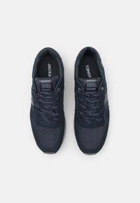 Jack & Jones - JFWSTELLAR - Sneakersy niskie - navy blazer - 3