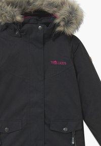 TrollKids - GIRLS OSLO COAT  - Zimní kabát - anthracite/magenta - 5