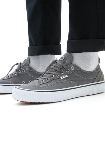 UA Destruct SF - Sneakers basse - pewter/true white