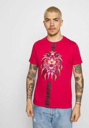 PROWL - T-shirt z nadrukiem - red